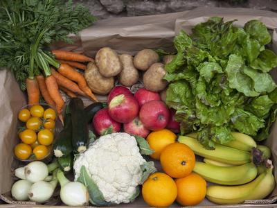 Mixed organic veg box